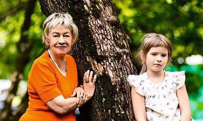 Судьба внучки-сироты Александры Назаровой после ее смерти снова под вопросом