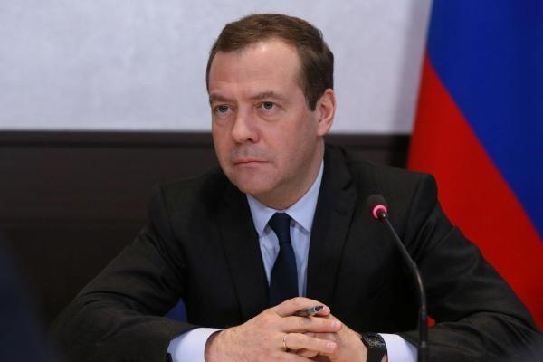 Медведев: Люди должны понимать, что происходит