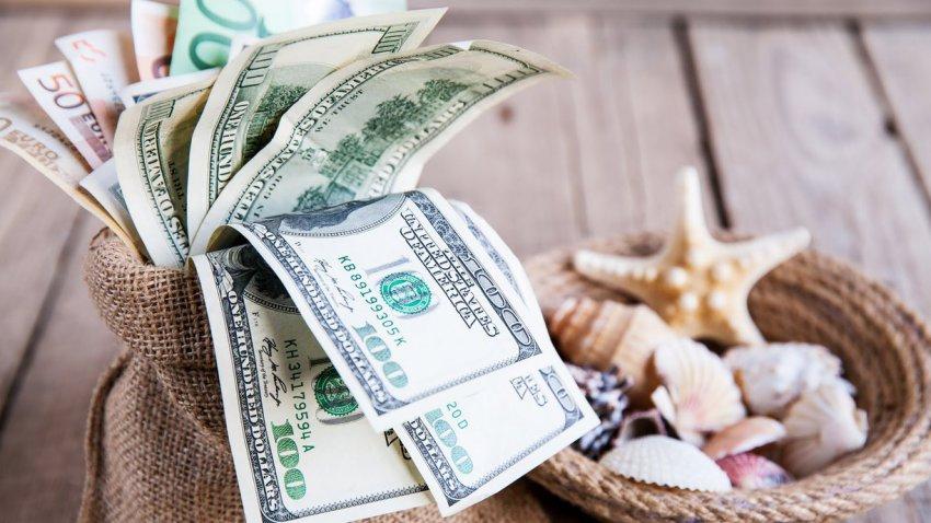Кому проще всего разбогатеть: Павел Глоба назвал три знака Зодиака