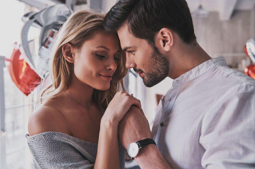 Если вы хотите эмоционально привязать к себе мужчину, соблюдайте следующие правила