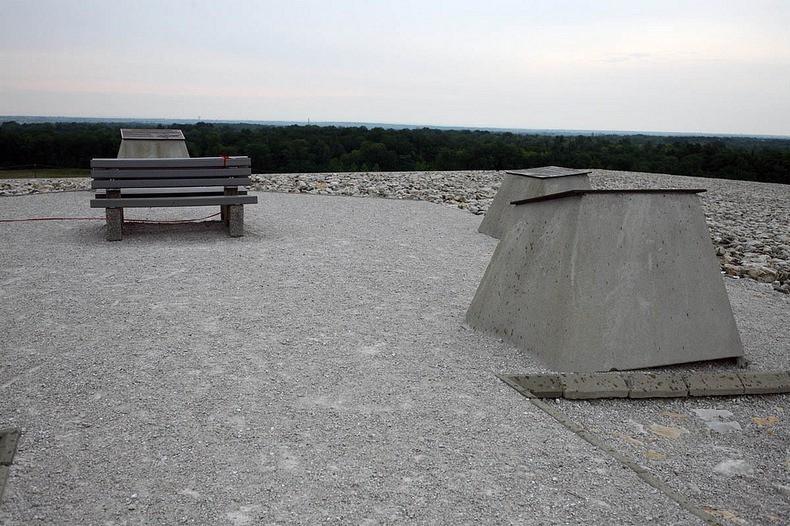 Купол Рунит - радиоактивная воронка США