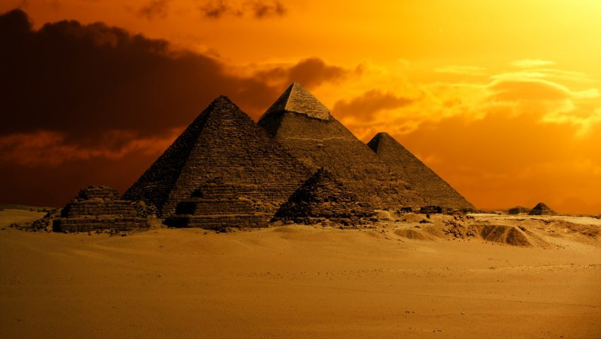 Секреты египетских пирамид: пришельцы скрывают в них свои технологии