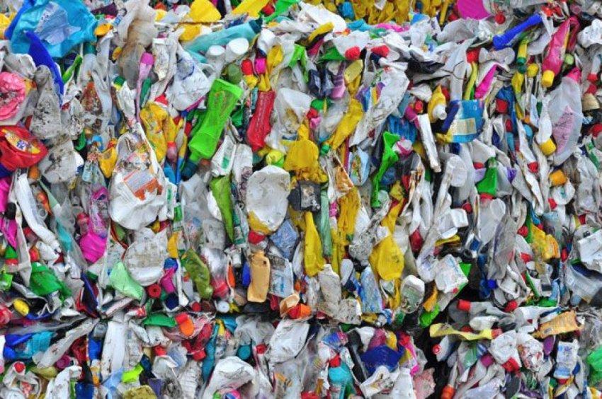 18 мусорных стран экспортируют пластиковые отходы в Россию