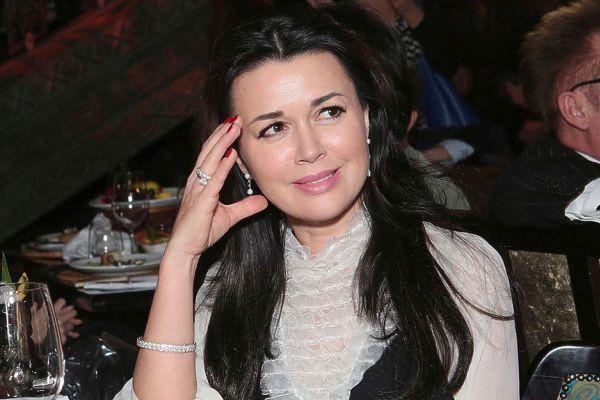 Последние новости сегодня Анастасия Заворотнюк, 01.10.2019: состояние здоровья, что происходит