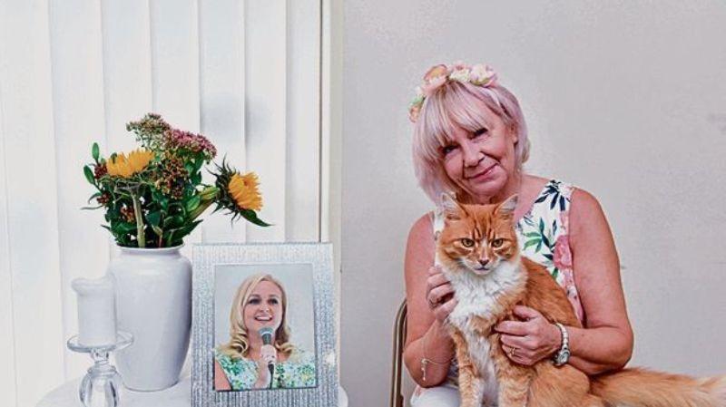 В Англии живет кот, который любит ходить на похороны