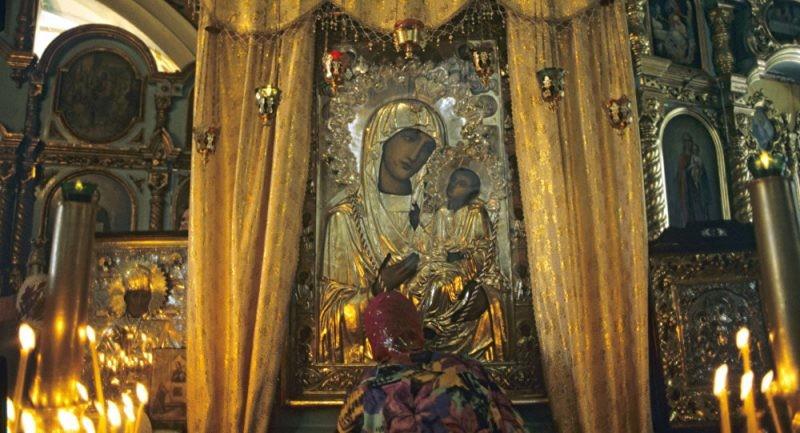 Иверскую икону Божией Матери почитает православная церковь 26 октября 2019 года