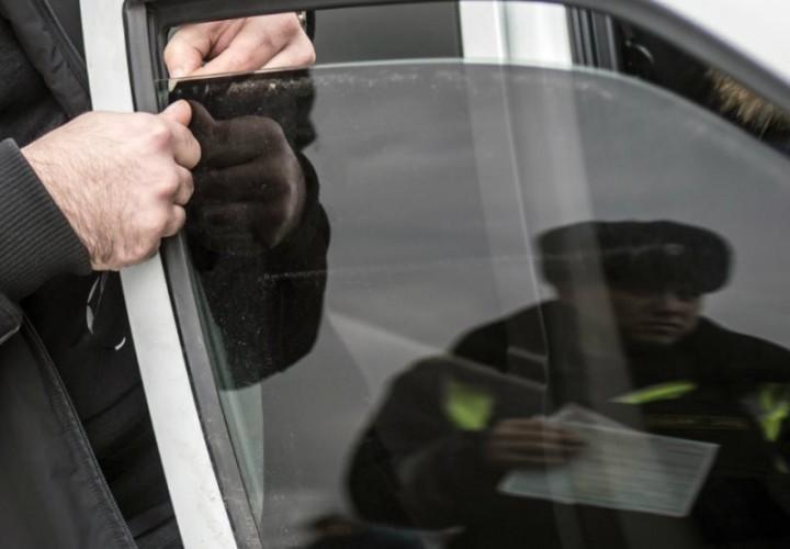 В ГД внесен законопроект, регулирующий сроки снятия тонировки со стекол машины
