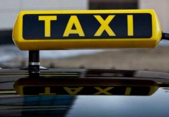 В Москве таксист пытался изнасиловать пассажирку, угрожая ножом
