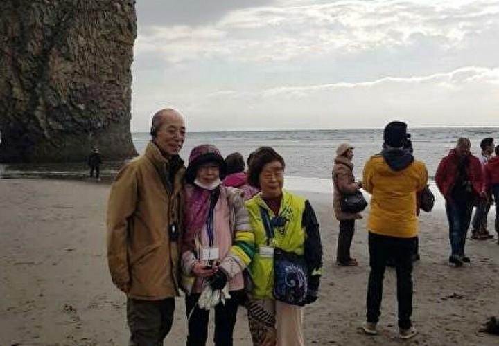 Первая группка японских туристов прибыла на Кунашир