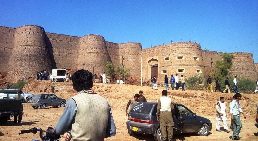 Великий Форт Деравар: оборонительная крепость Пакистана