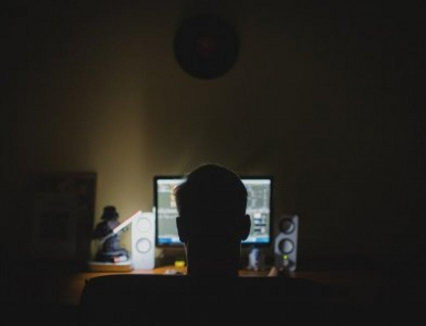 Камеру - заклеивать! Откровение специалиста по кибербезопасности