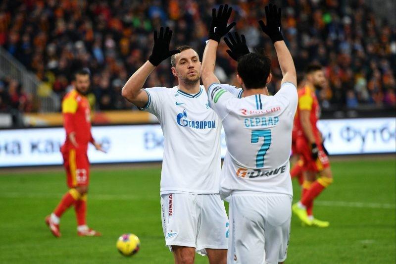 Зенит укрепил лидирующую позицию команды в чемпионате России по футболу 2019-2020
