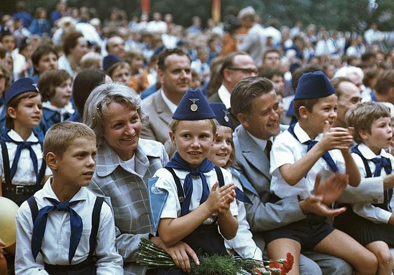 Жизнь в ГДР в 80-е годы. Как была устроена витрина социализма на Западе
