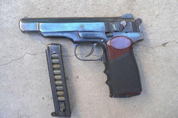 Чеченский полицейский рассказал о «пользе» запугивания пистолетом