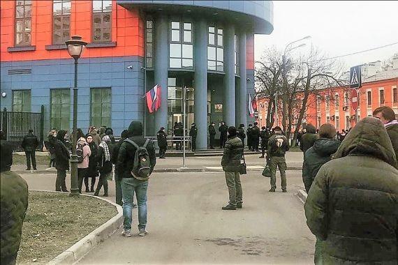Суды Петербурга «минируют» второй день подряд