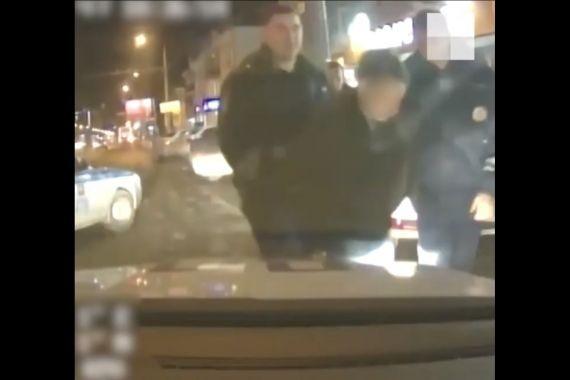 Челябинский подросток напал на таксиста и угнал его автомобиль