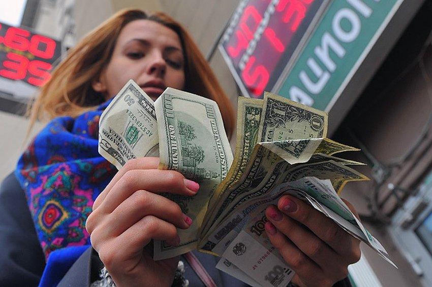 Курс доллара в ноябре 2019 года может перечеркнуть все достижения российской валюты за последний год