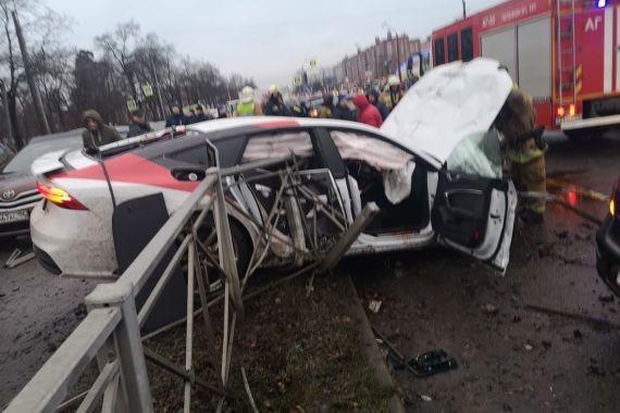Взяла на тест-драйв новый Audi и разбила 12 машин