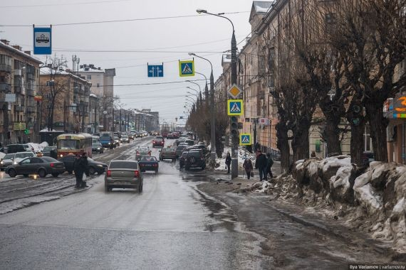 В Ижевске 2-летний ребенок несколько дней провел в квартире с умершей мамой