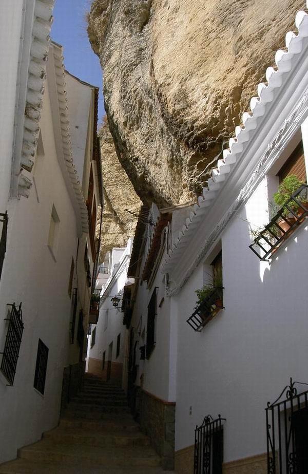 Подземные города и туннели из всего мира