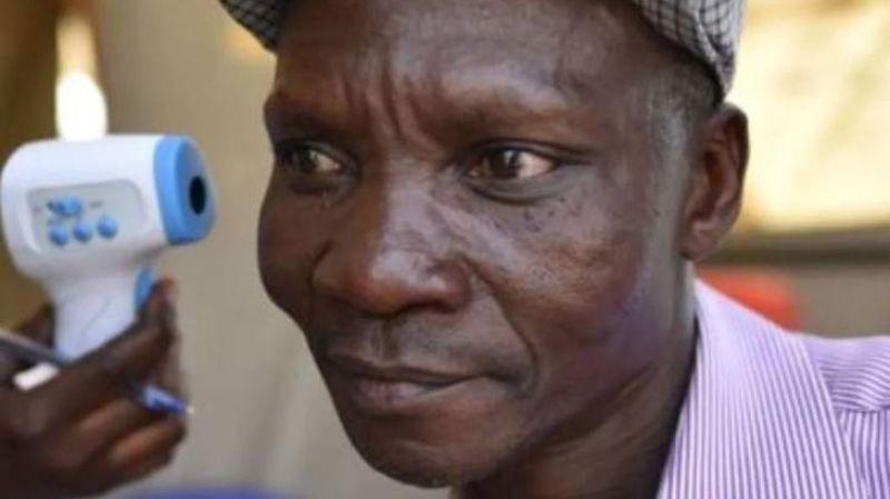 Газы жителя Уганды убивают комаров в радиусе 6-ти метров