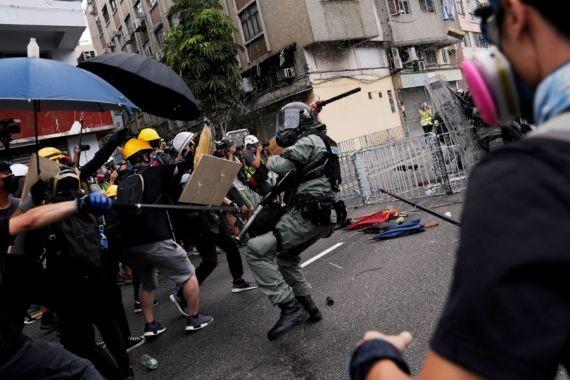 Пекин потребовал от гонконгских властей навести порядок в городе
