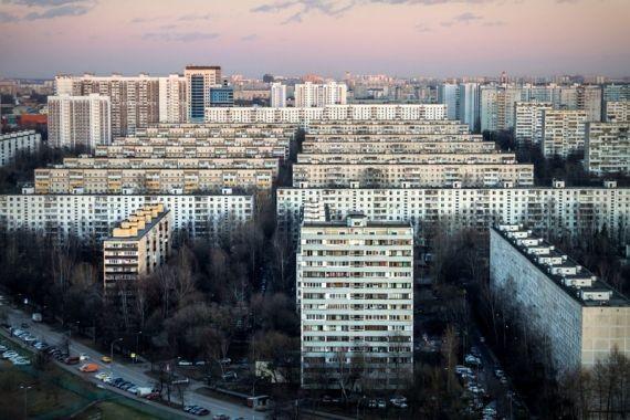 В Москве застрявшего в мусоропроводе мужчину пришлось вызволять спасателям
