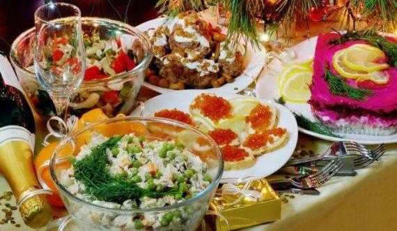 Диетолог рассказала, чем заменить вредные блюда на Новый год