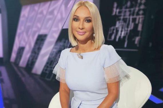 Лера Кудрявцева показала грудь после удаления имплантов