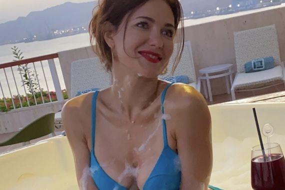 Дочь Екатерины Климовой сняла видео с актрисой в купальнике