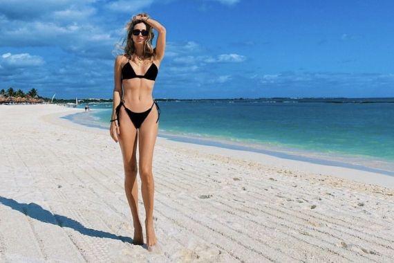 37-летняя Светлана Лобода показала фото в бикини