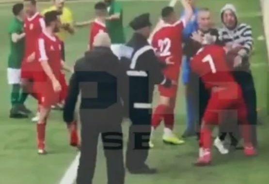 На Мальте футболист избил судью и ушел со стадиона в наручниках
