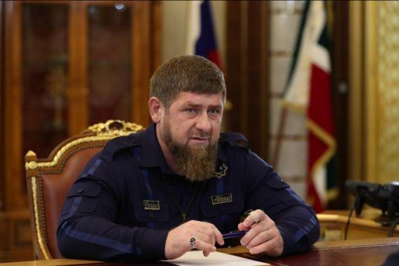 Кадыров временно сложил с себя полномочия главы Чечни