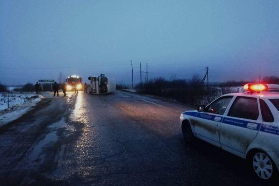 В Ивановской области опрокинулся пассажирский ПАЗ