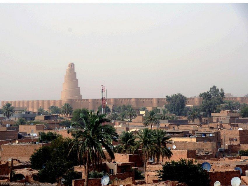 """Возведение """"Вавилонской Башни"""" — грандиозного сооружения в Самарре"""