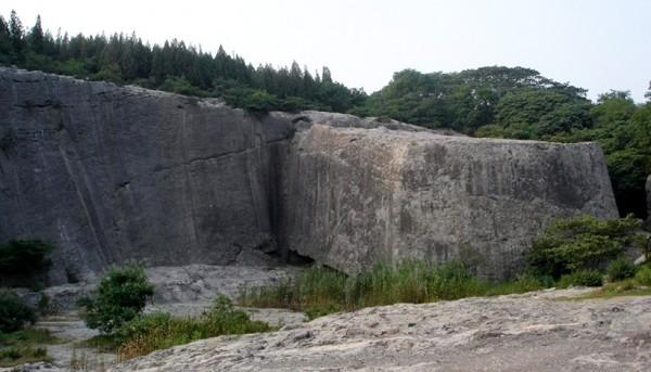 Яншаньские мегалитические сооружения