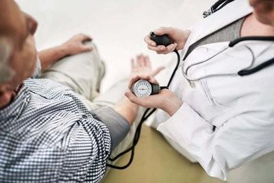 Медики назвали естественные продукты, которые помогают в борьбе с гипертонией