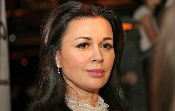 Анастасия Заворотнюк планирует переехать в Европу