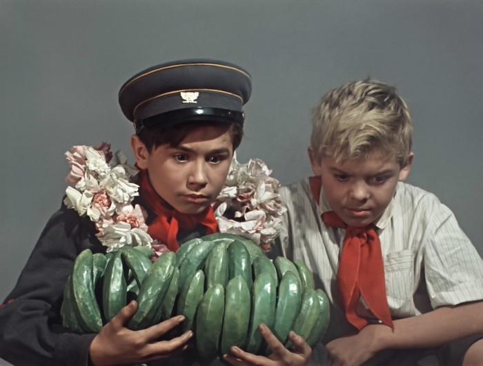 Как в СССР военную технику на бананы обменивали