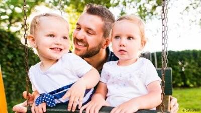 Ученые рассказали, почему мужчинам важно завести детей в молодом возрасте