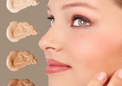Косметолог развенчала популярные мифы о тональном креме