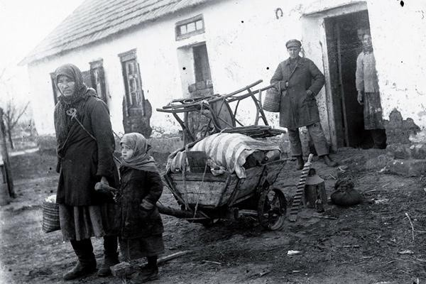 Взгляд сквозь время: Голод и раскулачивание в советской России 20-30-е годы
