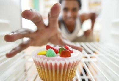 Эндокринолог назвала основные причины нездоровой тяги к сладкому