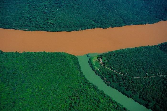 ТОП-16 водоёмов, в которых реки, моря и океаны не смешиваются