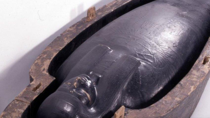 Ученые выяснили состав черной жидкости из древнеегипетских саркофагов