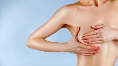 Названы 10 распространенных симптомов рака