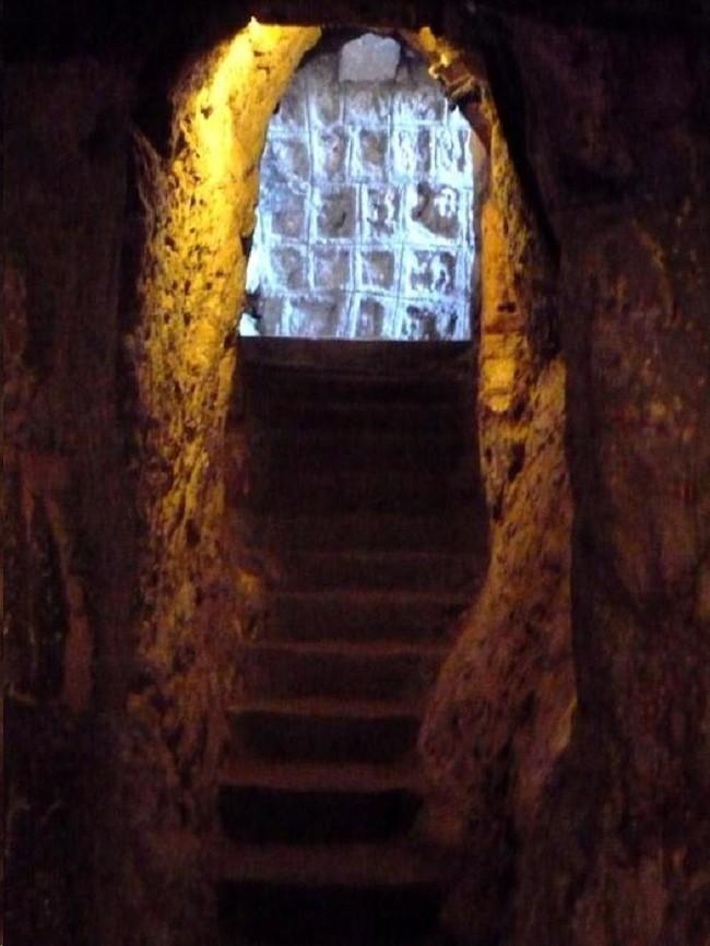Подземные пещеры Деринкую в Турции вмещали 20.000 человек