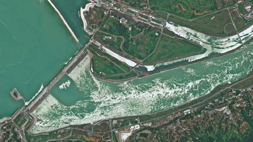 Уровень воды в китайской плотине «Три ущелья» продолжает расти: в ближайшее время может произойти катастрофа