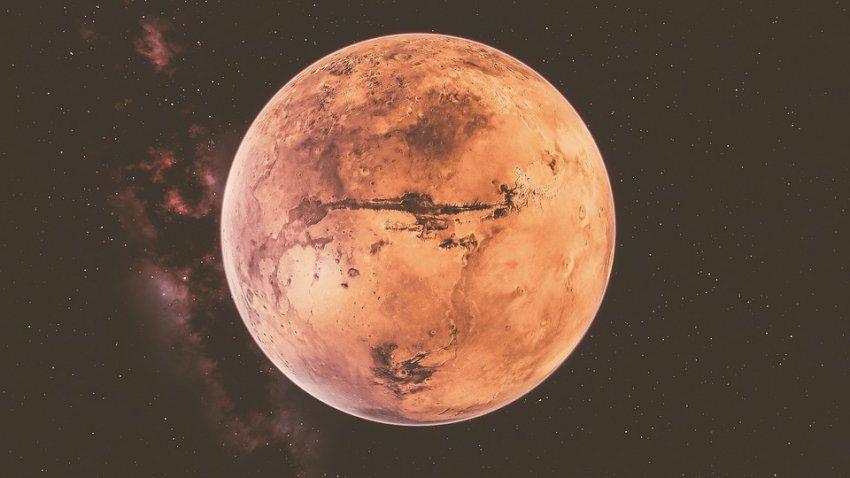 В атмосфере Марса обнаружен метан: его вырабатывают живые организмы