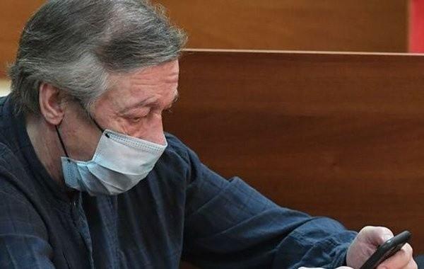 Адвокат Ефремова пожаловался на угрозы